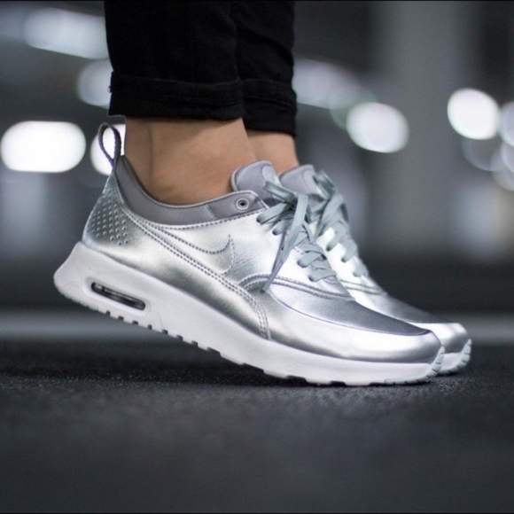 BRAND NEW IN IN IN BOX NIKE AIR MAX THEA WOMEN RUNNING SHOE